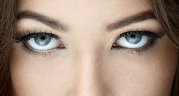Title pic of 2 eyes for 10 sexy real estate ads